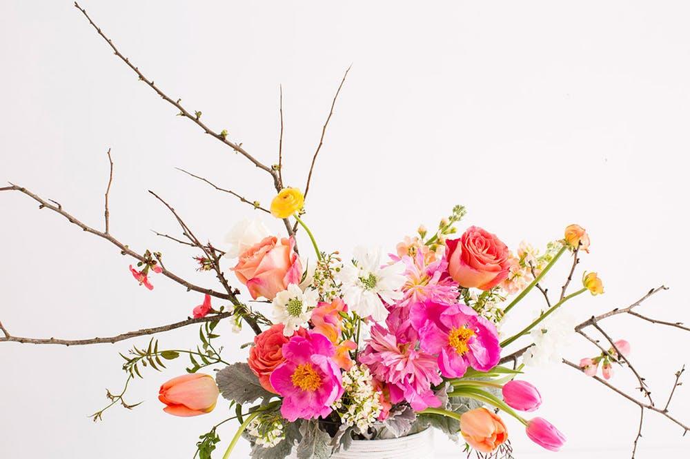 dekoracja z kwitów w gąbce florystycznej